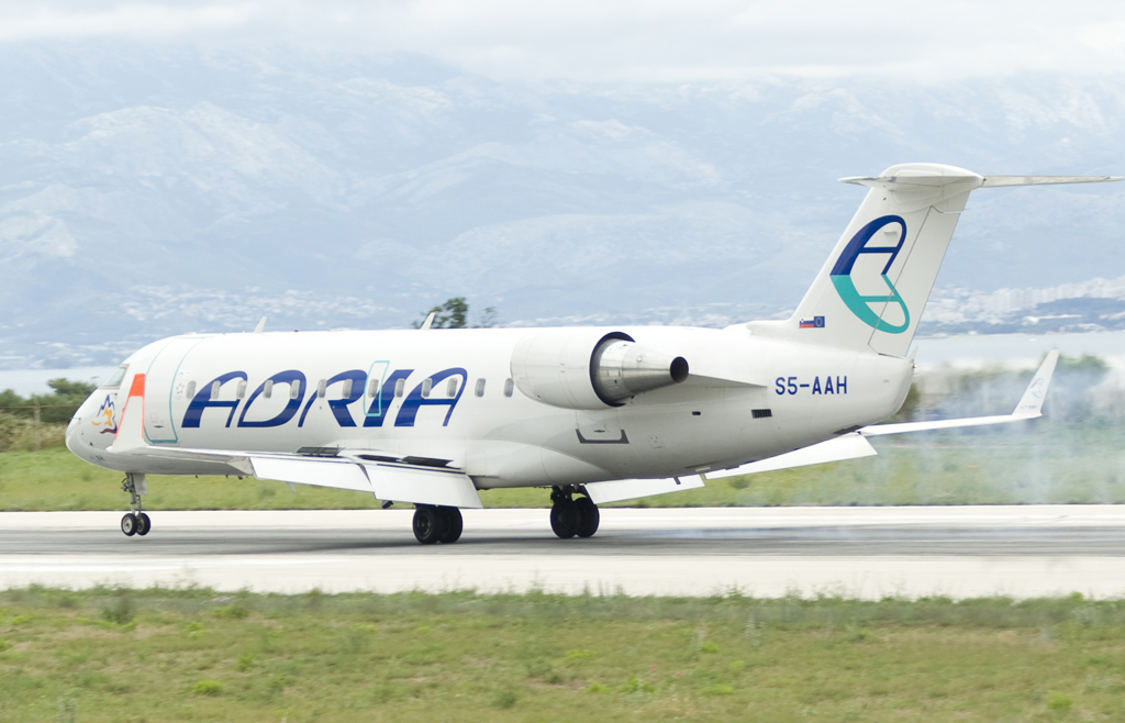CRJ-100LR Adria Airways S5-AAH Split_Resnik (SPU/LDSP) June_16_2008
