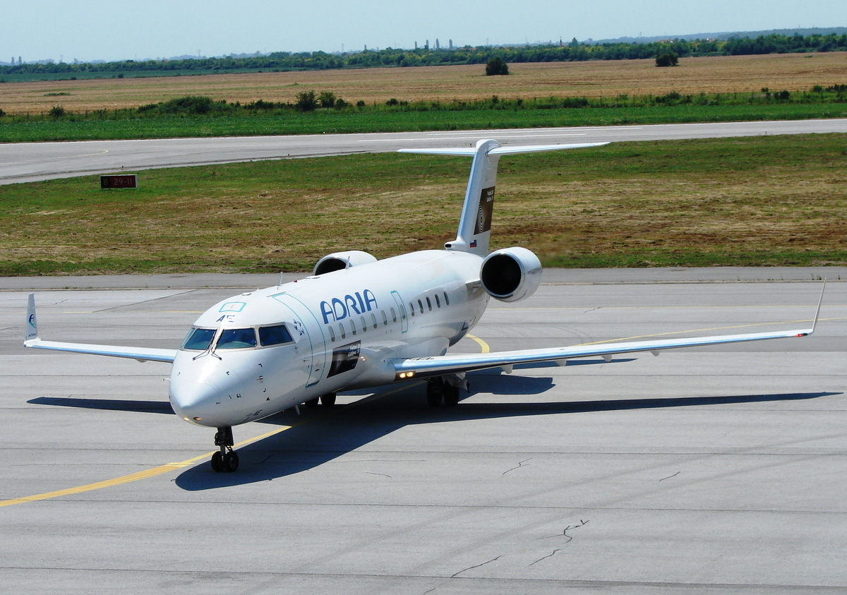 CRJ-200LR Adria Airways S5-AAE Osijek_Klisa (OSI/LDOS) July_14_2010