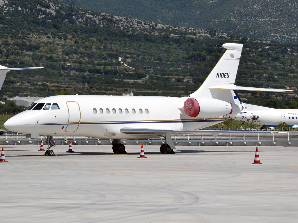 Dassault Falcon 2000EX Sky Aviation Ltd N10EU Split_Resnik (SPU/LDSP) August_6_2011