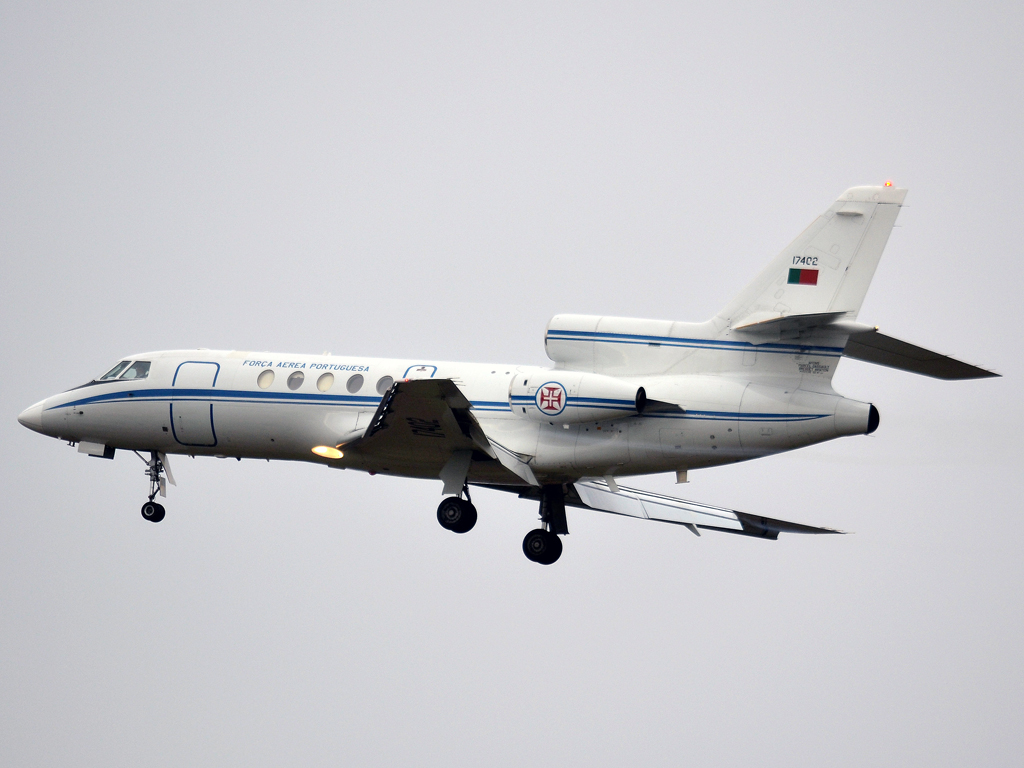 Dassault Falcon 50 Portugal Air Force 17402 Prague_Ruzyne (PRG/LKPR) December_23_2011