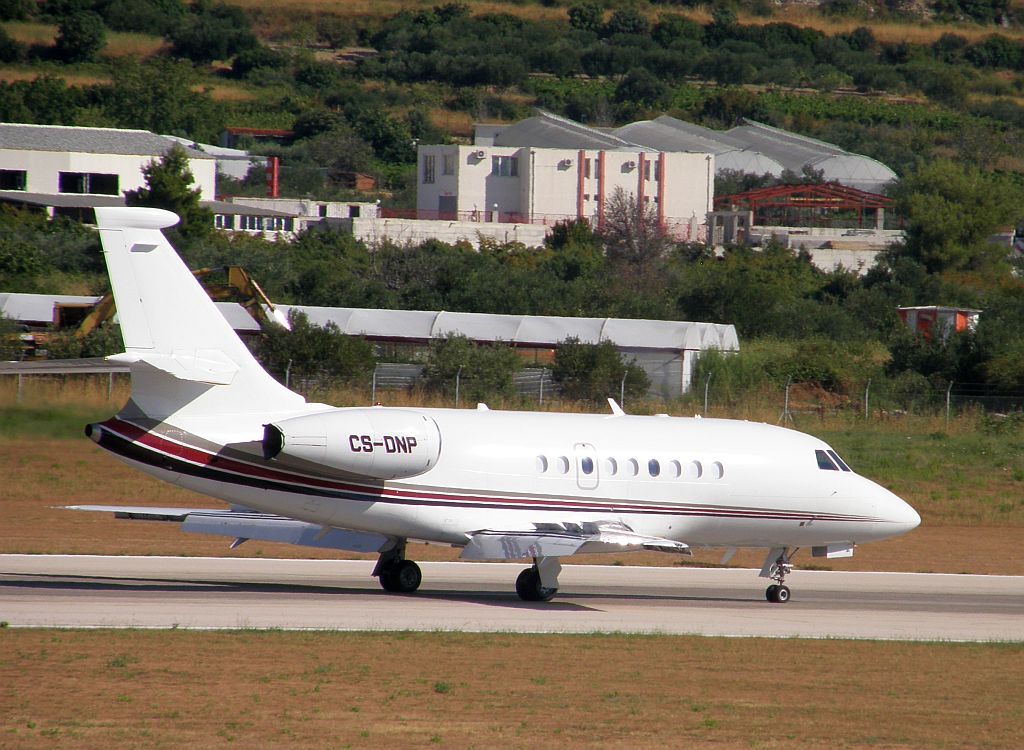 Dassault Falcon 2000 NetJets Europe CS-DNP Split_Resnik (SPU/LDSP) August_7_2010