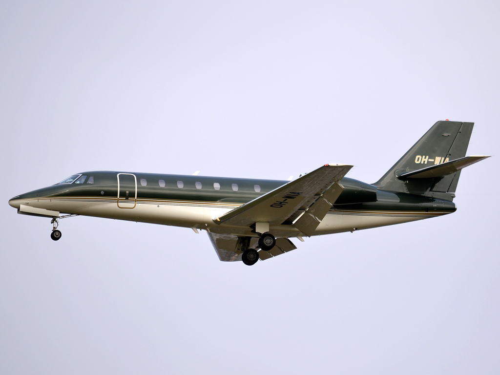 Cessna 680 Citation Sovereign JetFlite OH-WIA Prague_Ruzyne (PRG/LKPR) December_23_2011
