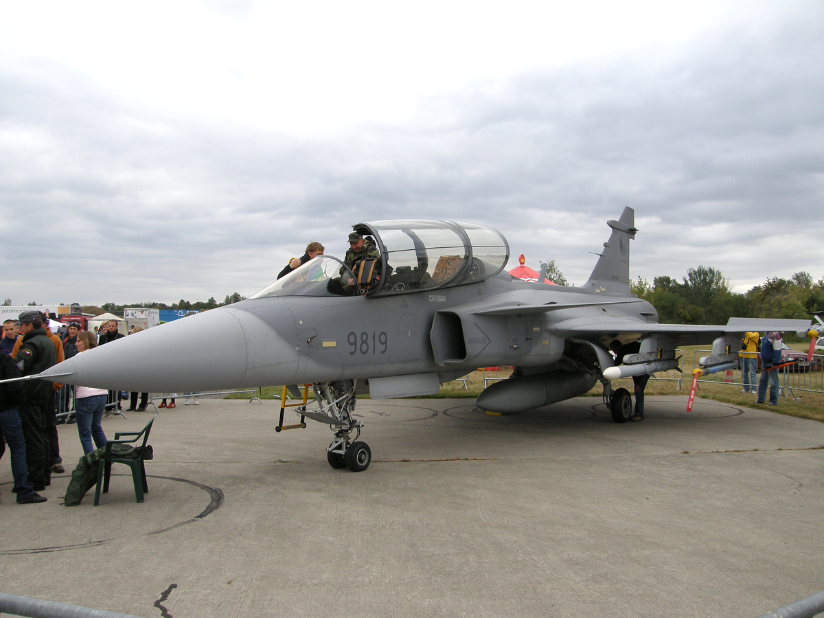 Saab JAS-39D Gripen Czech Air Force 9819 Hradec_Kralove (LKHK) September_05_2009