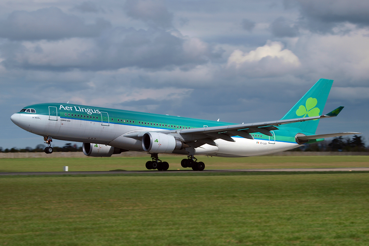 A330-202 Aer Lingus EI-LAX Dublin_Collinstown April_10_2009