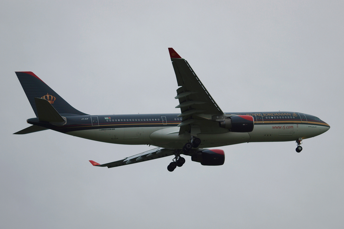 A330-223 Royal Jordanian Airline JY-AIF London_Heathrow November_13_2010