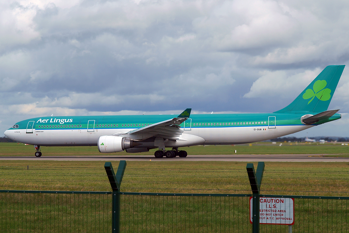 A330-301 Aer Lingus EI-DUB Dublin_Collinstown April_7_2009