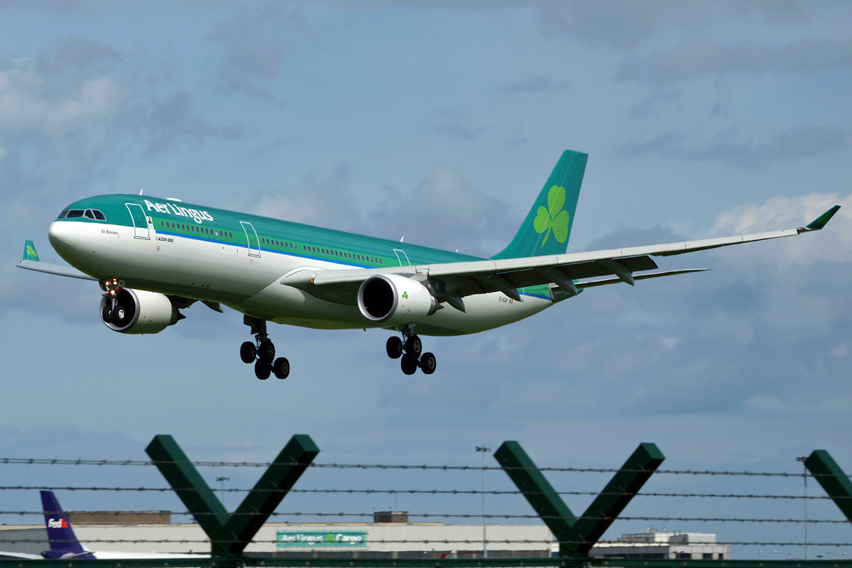 A330-302 Aer Lingus EI-EAV Dublin_Collinstown April_21_2009