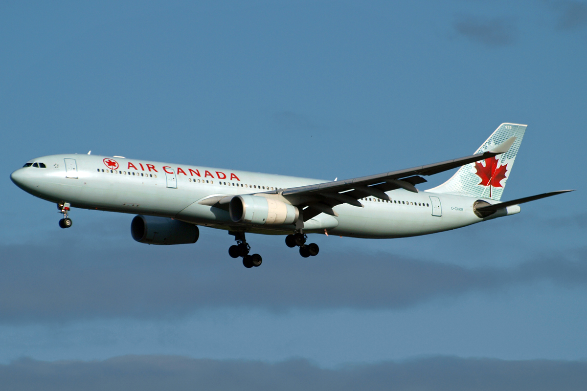 A330-343X Air Canada C-GHKR London_Heathrow November_10_2010