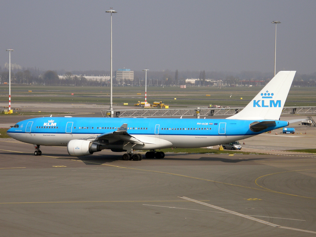 A330-203 KLM - Royal Dutch Airlines PH-AOB Amsterdam_Schiphol March_16_2011