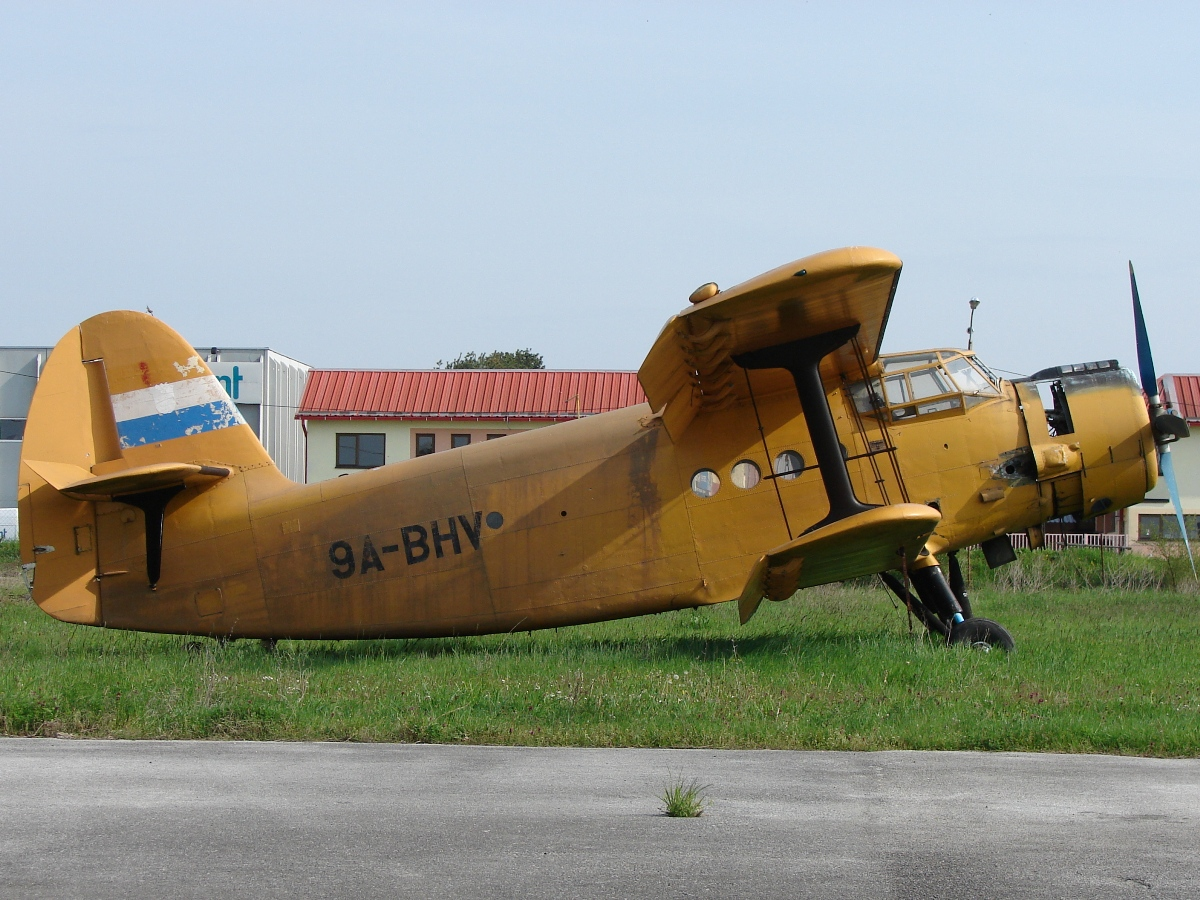 Antonov An-2 Untitled 9A-BHV Osijek_Cepin (LDOC) April_18_2010