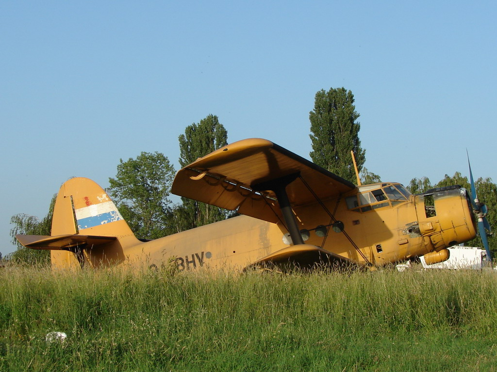 Antonov AN-2 Untitled 9A-BHV Osijek_Cepin (LDOC) May_27_2008