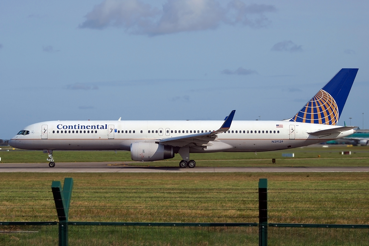 B757-224 Continental Airlines N29129 Dublin_Collinstown April_5_2009