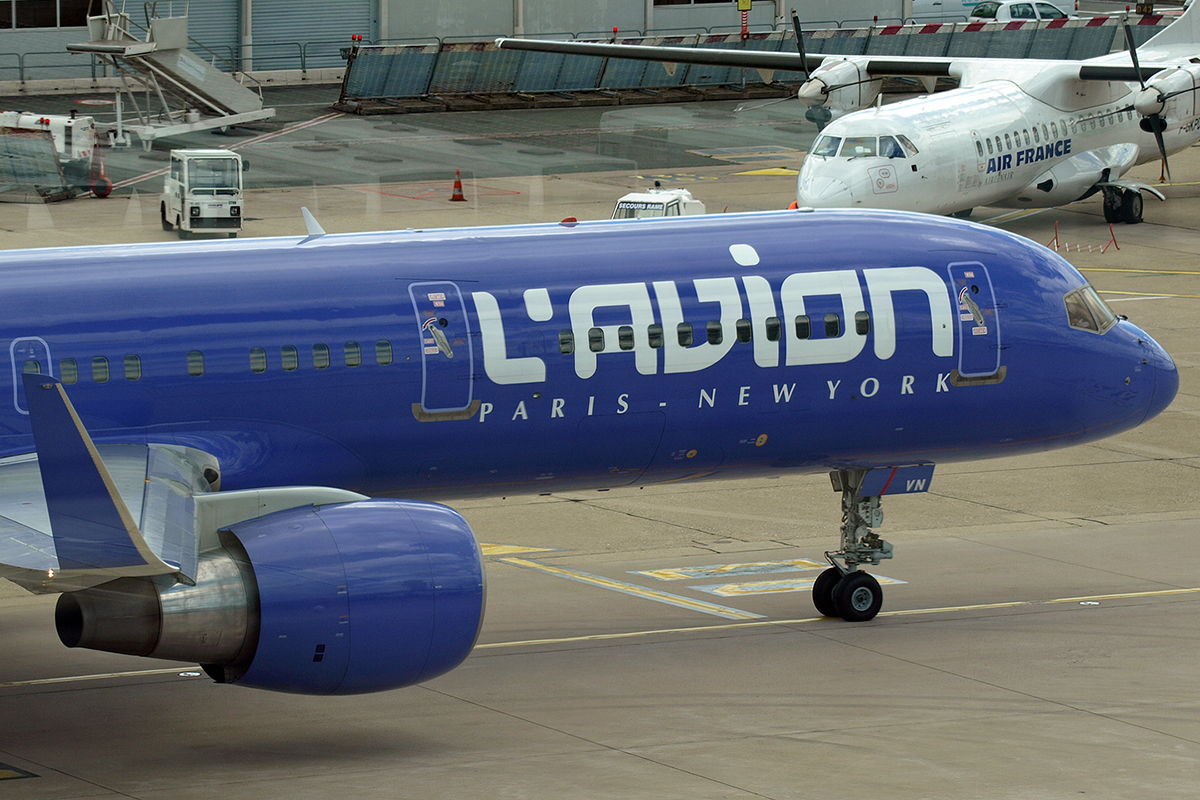 B757-230 L'Avion (Elysair) F-HAVN Paris_Orly June_25_2007 A