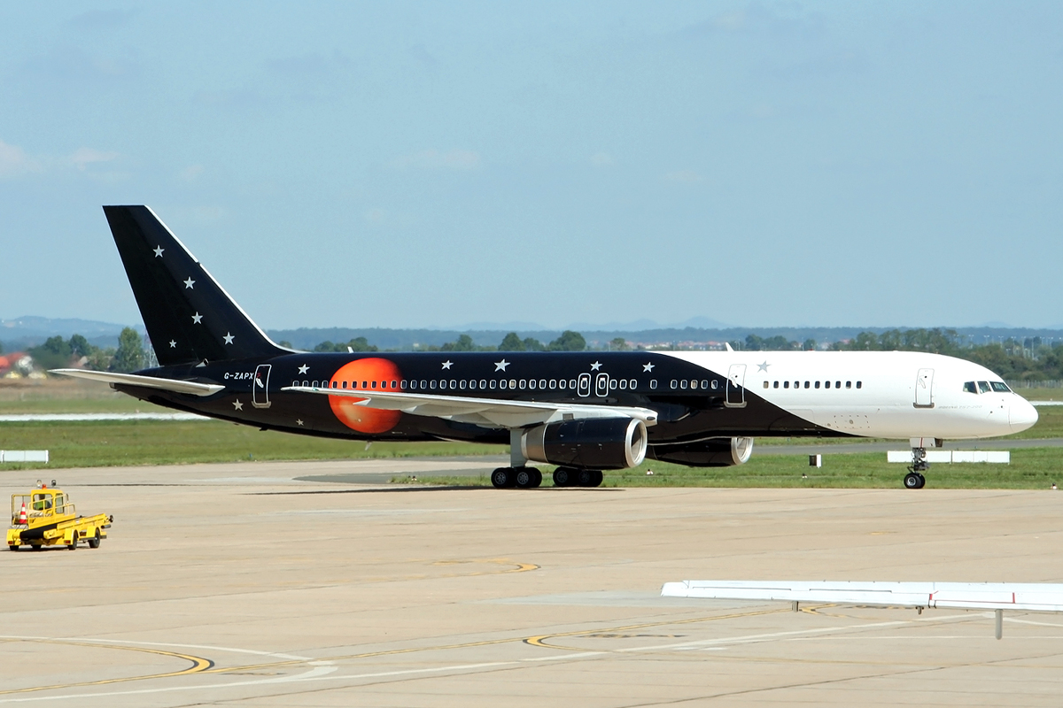 B757-256 Titan Airways G-ZAPX Zagreb_Pleso September_9_2008