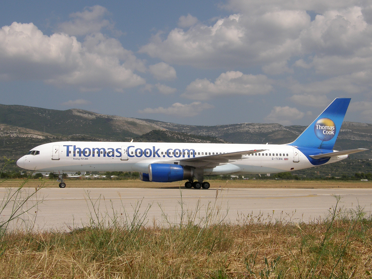 B757-28A Thomas Cook Airlines G-TCBA Split_Resnik August_08_2009