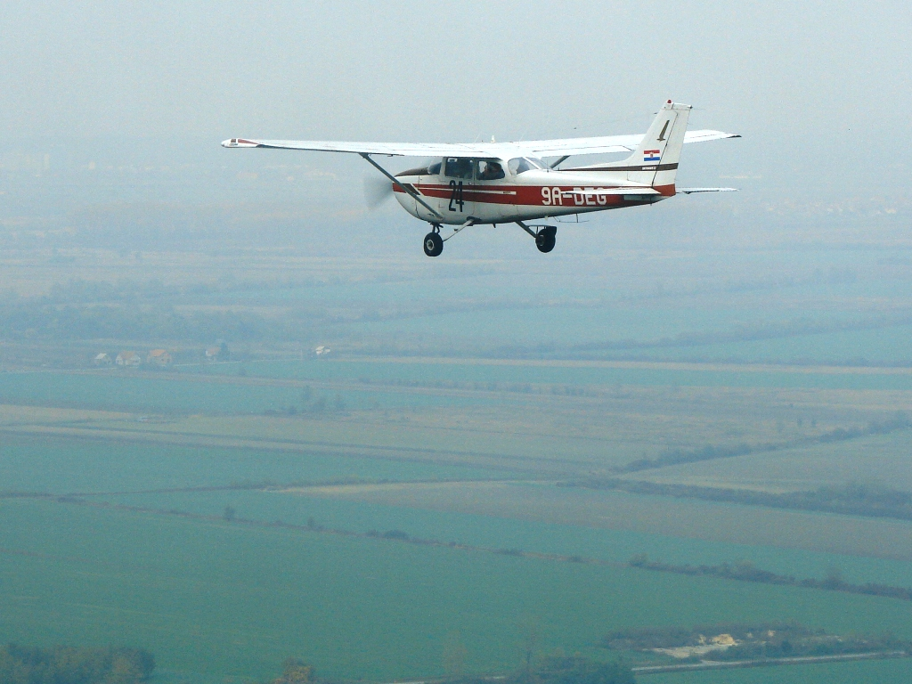 Cessna 172, 9A-DEG, Aeroklub Osijek, In Flight - 2008.
