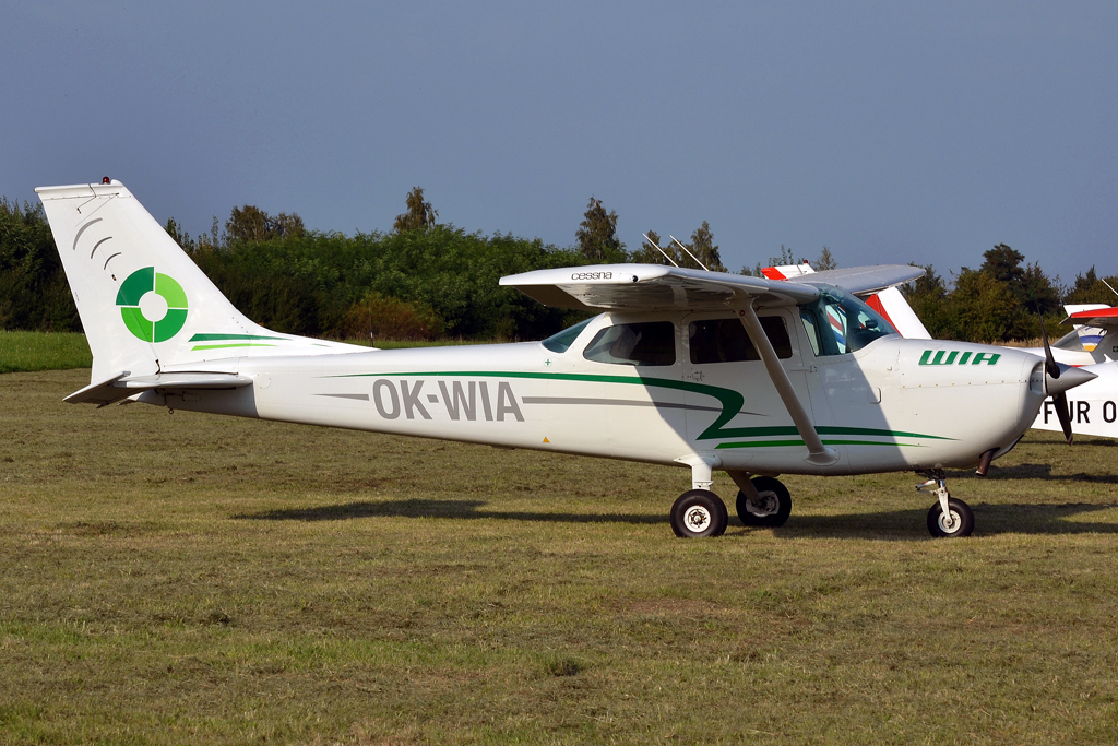 Cessna 172L Skyhawk Letov Air OK-WIA Prague_Letnany (LKLT) September_17_2011