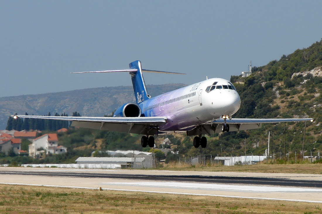 B717-200 Blue1 OH-BLQ Split_Kastela (SPU/LDSP) August_04_2012
