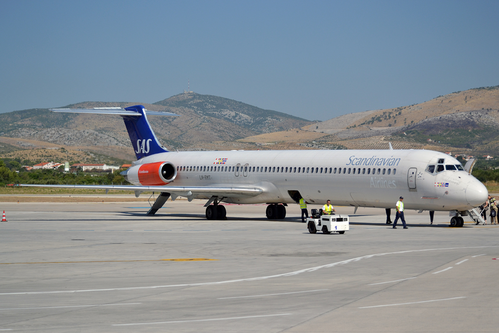 MD-81 (DC-9-81) SAS Scandinavian Airlines LN-RMT Split_Resnik (SPU/LDSP) August_04_2012