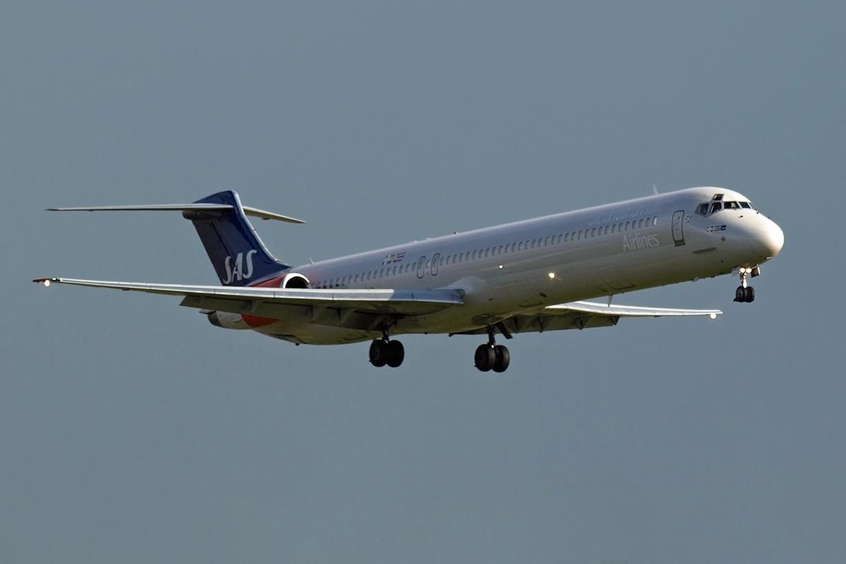 MD-82