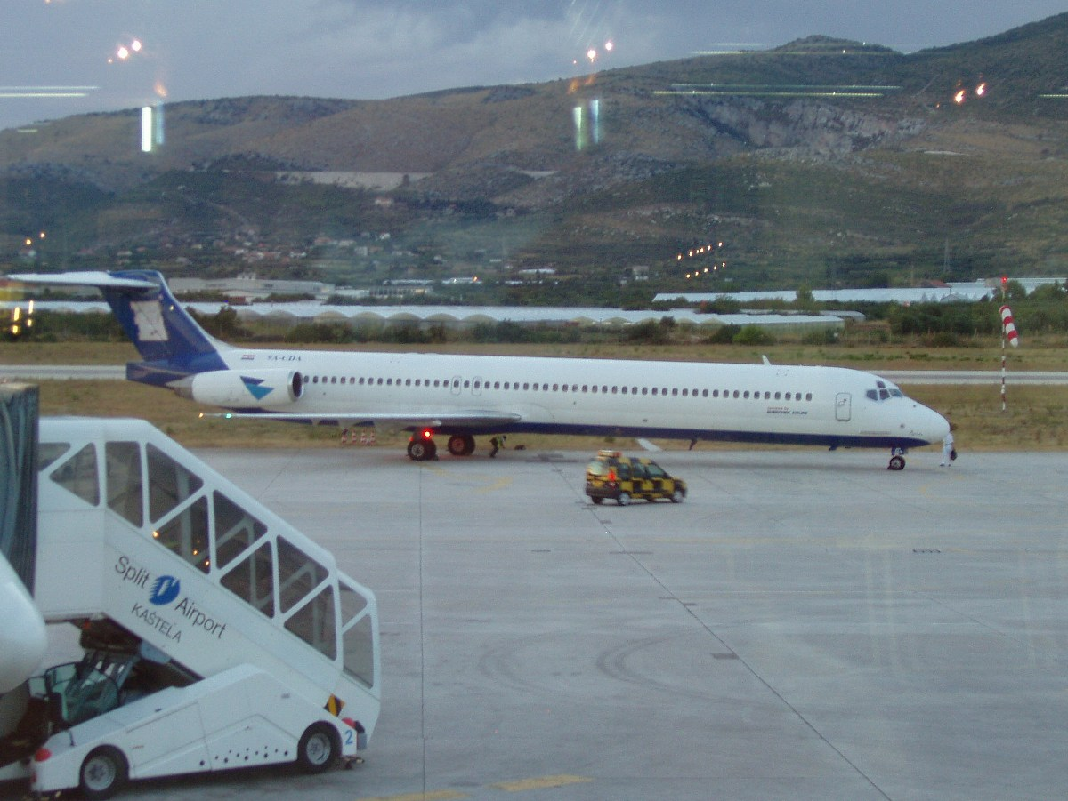 MD-83 (DC-9-83) Aviajet (Dubrovnik Airline) 9A-CDA Split_Resnik August_9_2007