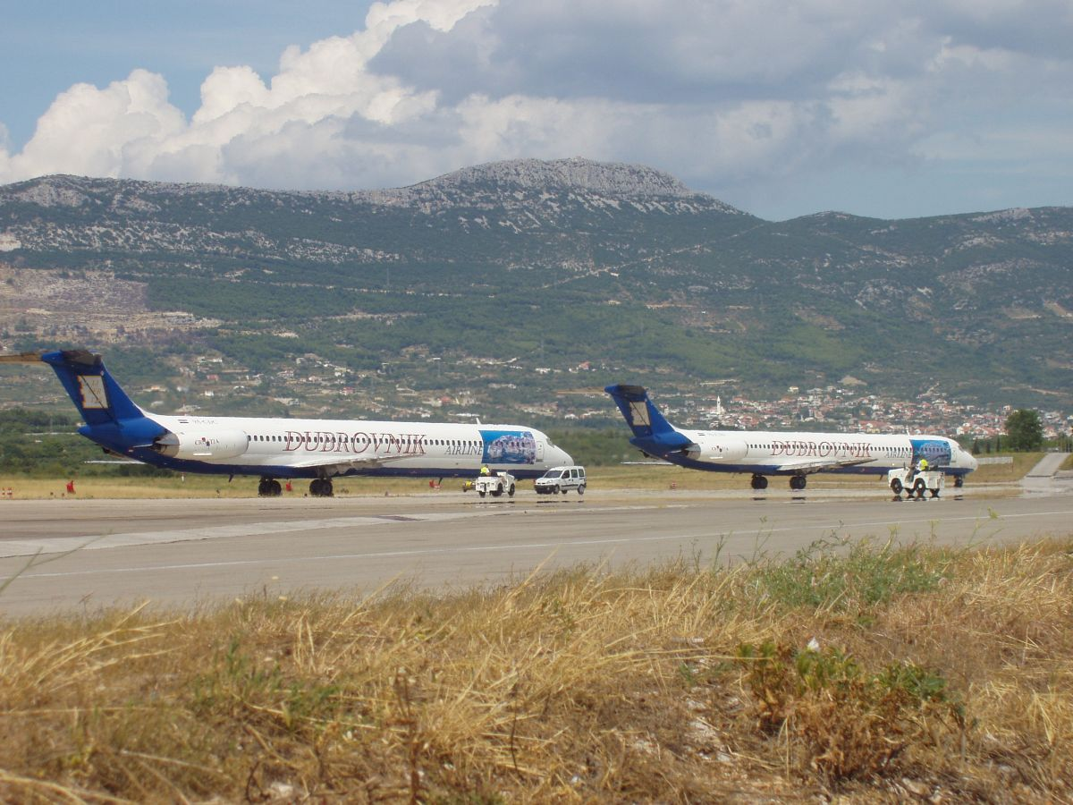 MD-82 (DC-9-82) Dubrovnik Airline 9A-CDC Split_Resnik August_9_2008