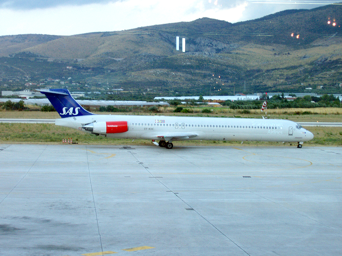 MD-82 (DC-9-82) SAS Scandinavian Airlines OY-KHC Split_Resnik August_12_2006