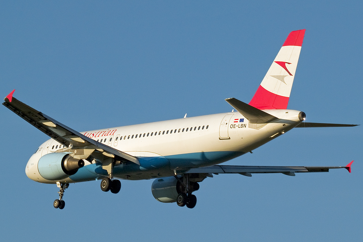 A320-214 Austrian Airlines OE-LBN Wien_Schwechat April_8_2007
