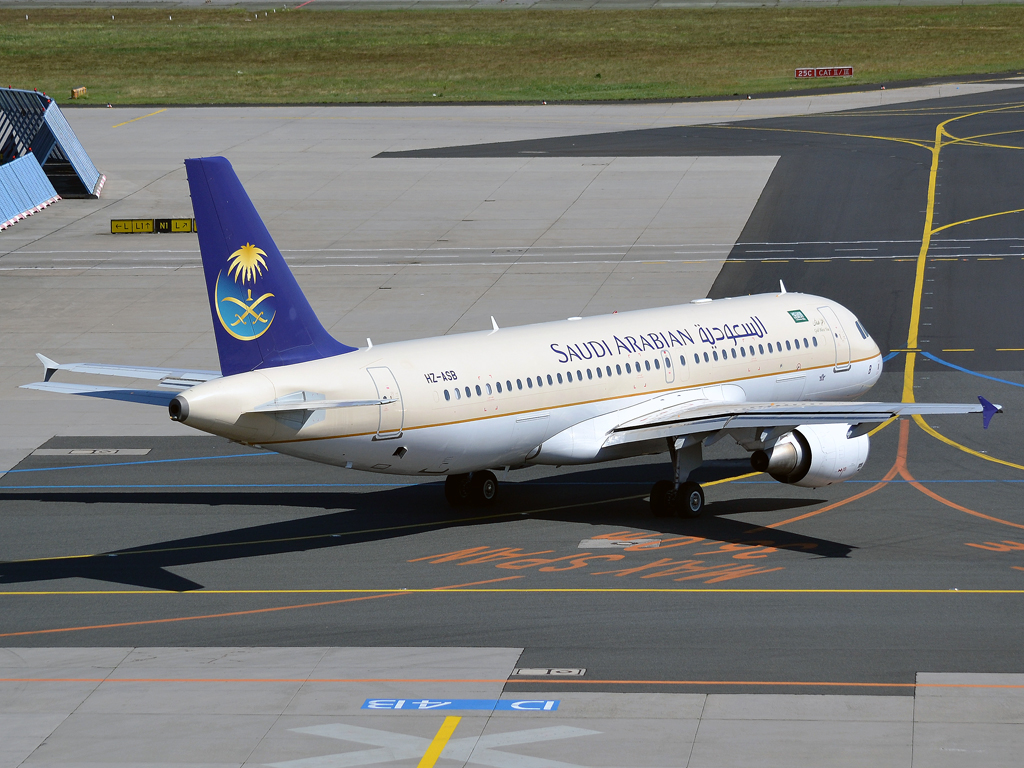 A320-214 Saudi Arabian Airlines HZ-ASB Frankfurt_Main (FRA/EDDF) May_25_2012