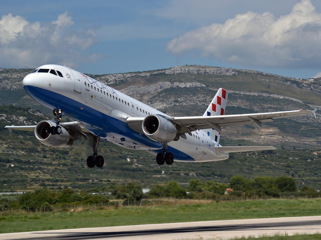 A320-212 Croatia Airlines 9A-CTF Split_Resnik (SPU/LDSP) August_6_2011