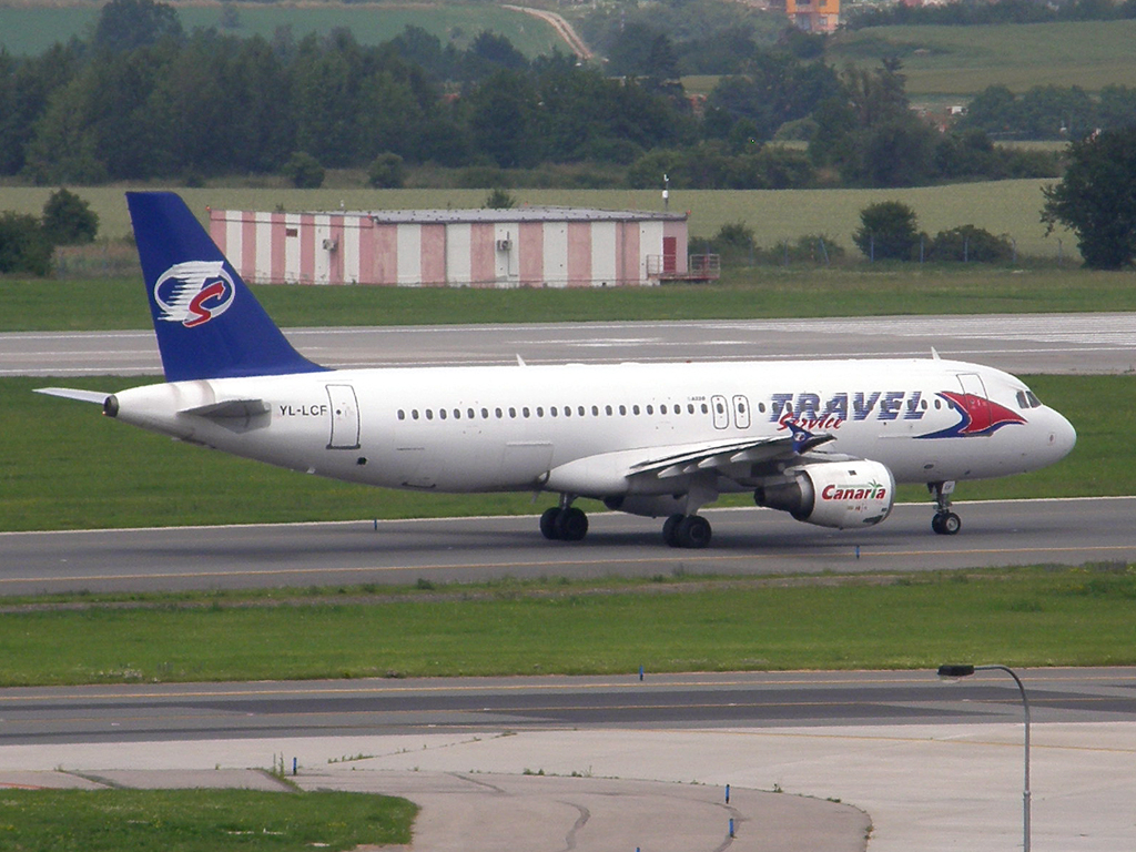 A320-212 Travel Service (SmartLynx) YL-LCF Prague_Ruzyne July_02_2009