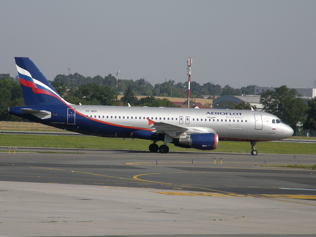 A320-214 Aeroflot Russian Airlines VP-BZP Prague_Ruzyne (PRG/LKPR) August_01_2009