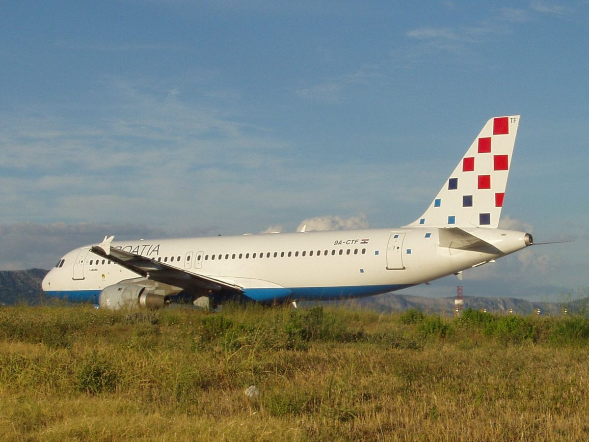 A320-212 Croatia Airlines 9A-CTF Split_Resnik (SPU/LDSP) August_9_2008