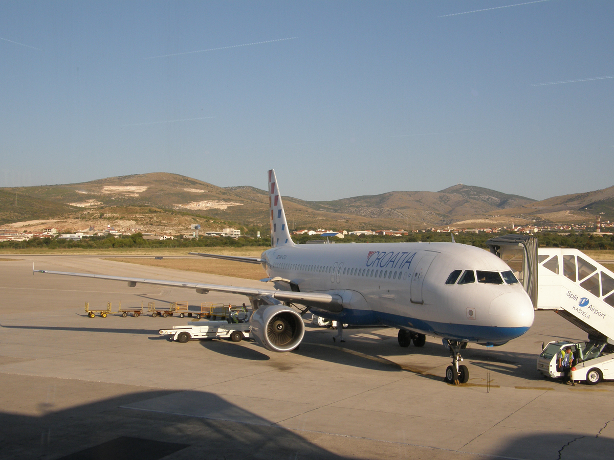 A320-214 Croatia Airlines 9A-CTJ Split_Resnik (SPU/LDSP) August_18_2009