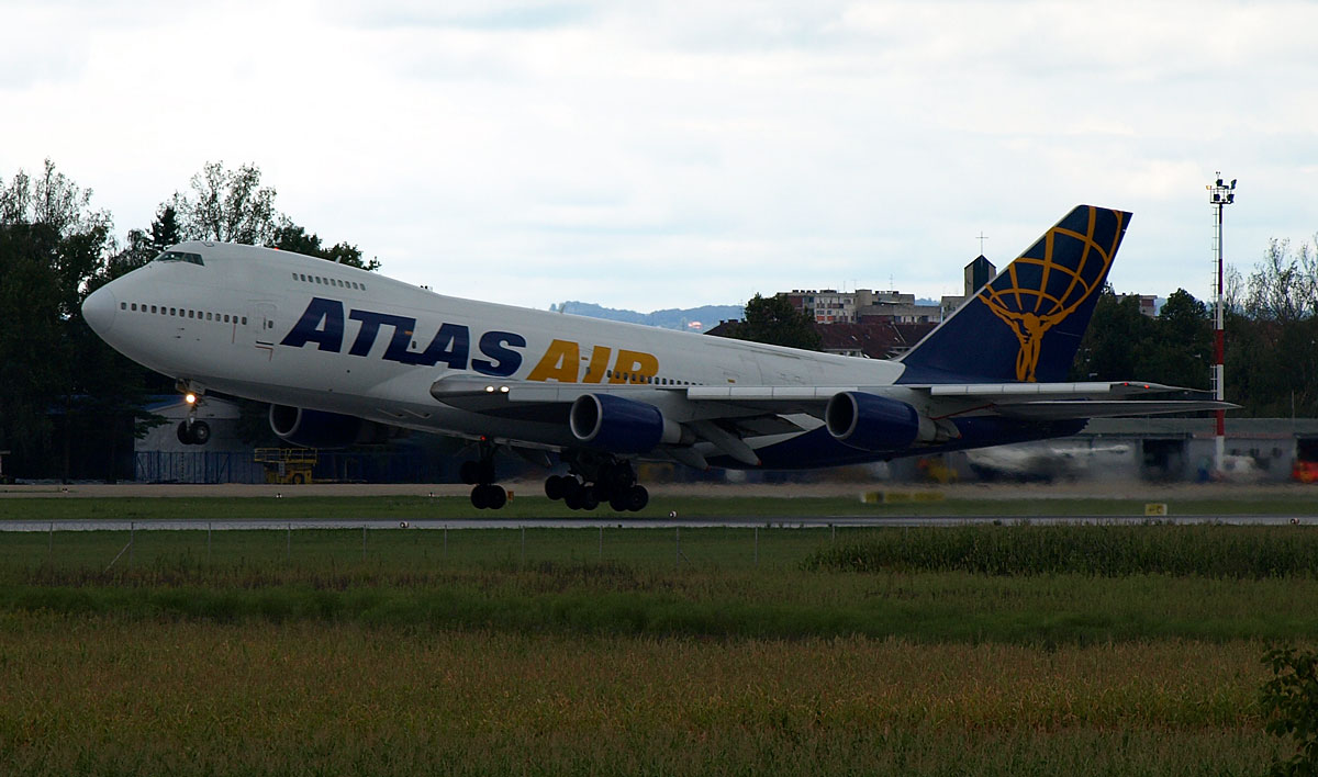 B747-2D7B(SF) Atlas Air N526MC Zagreb_Pleso August_16_2008