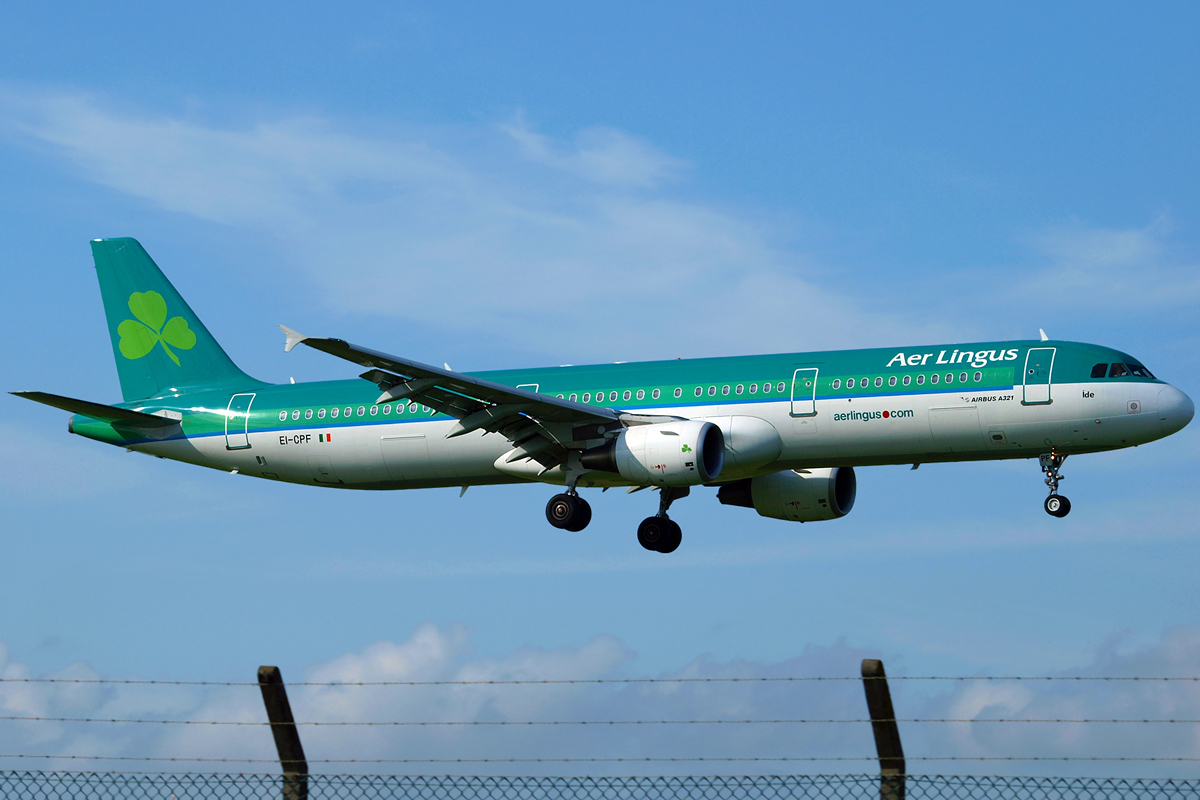 A321-211 Aer Lingus EI-CPF Dublin_Collinstown April_14_2009