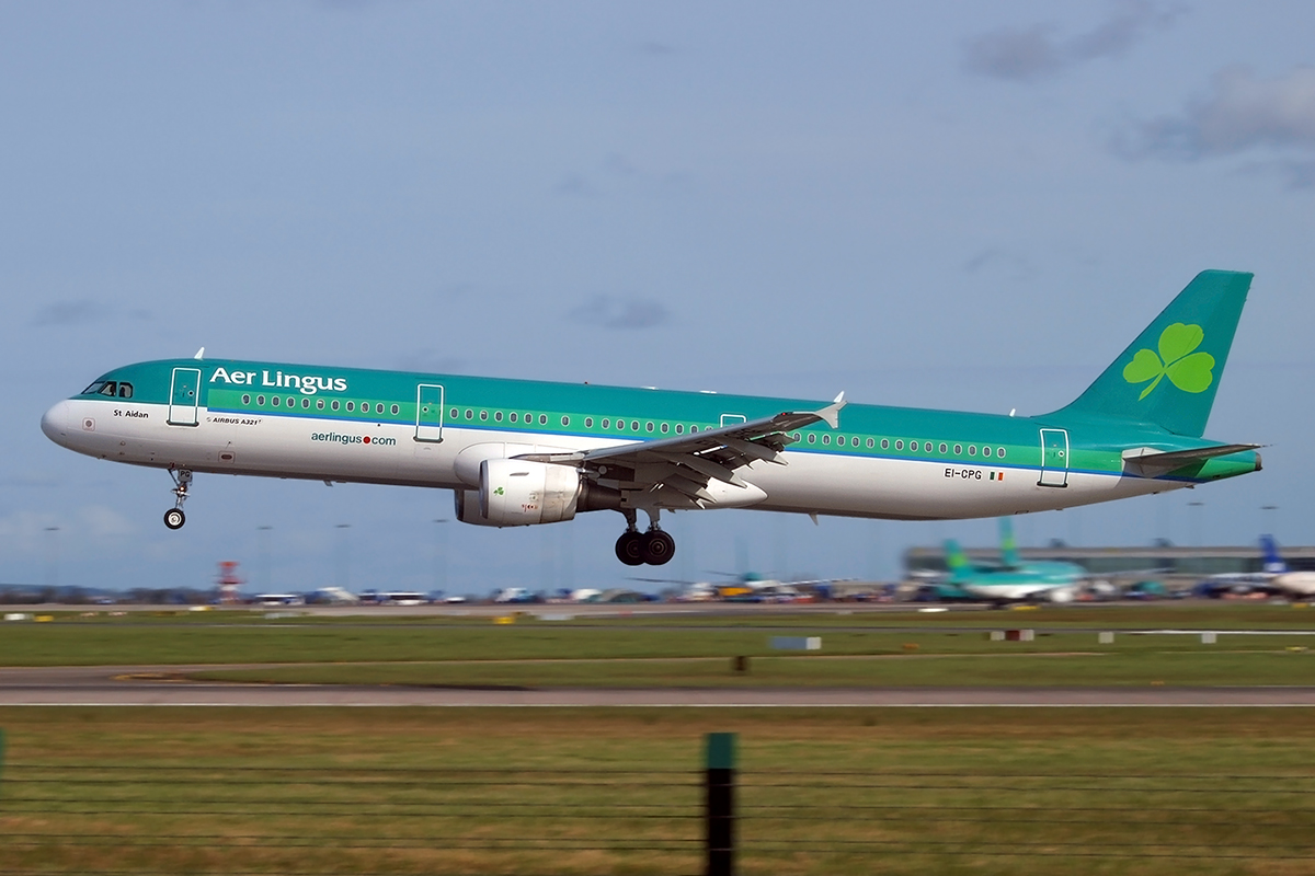 A321-211 Aer Lingus EI-CPG Dublin_Collinstown April_5_2009