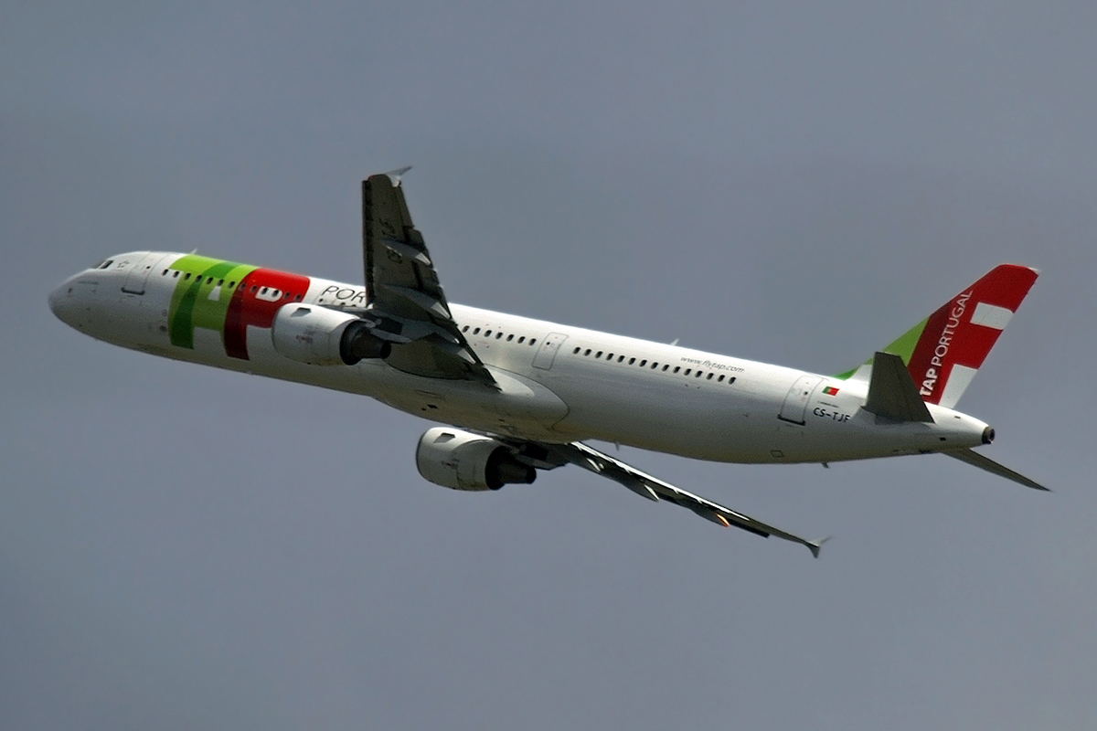 A321-211 TAP Air Portugal CS-TJF Amsterdam_Schiphol March_19_2008