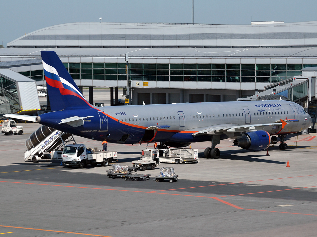 A321-211 Aeroflot Russian Airlines VP-BQS Prague_Ruzyne (PRG/LKPR) April_28_2012