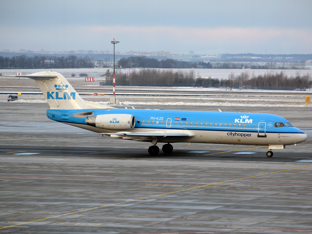 Fokker 70 (F-28-0070) KLM Cityhopper PH-KZE Prague_Ruzyne (PRG/LKPR) January_12_2013