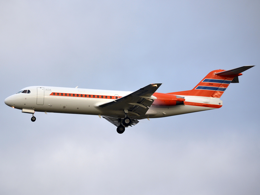 Fokker 70 (F-28-0070) Netherlands Government PH-KBX Prague_Ruzyne (PRG/LKPR) December_23_2011