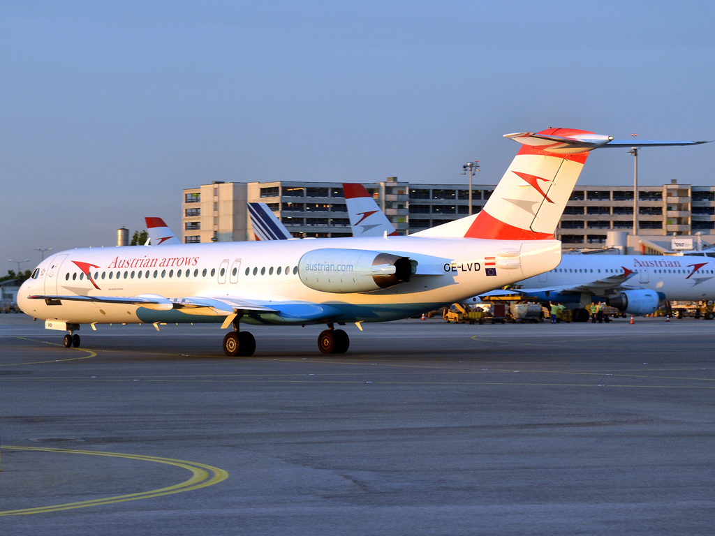 Fokker 100 (F-28-0100) Austrian Arrows (Tyrolean Airways) OE-LVD Vienna_Schwechat (VIE/LOWW) August_14_2011