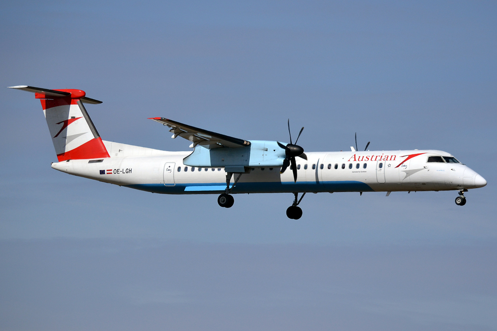 DHC-8-402Q Dash 8 Austrian Arrows (Tyrolean Airways) OE-LGH Prague_Ruzyne (PRG/LKPR) March_24_2013