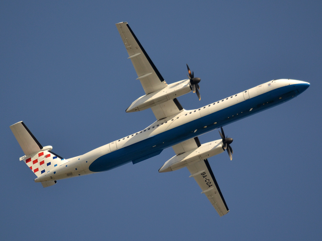 DHC-8-402Q Dash 8 Croatia Airlines 9A-CQA Split_Resnik (SPU/LDSP) May_02_2012