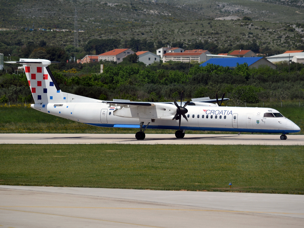 DHC-8-402Q Dash 8 Croatia Airlines 9A-CQD Split_Resnik (SPU/LDSP) May_03_2012