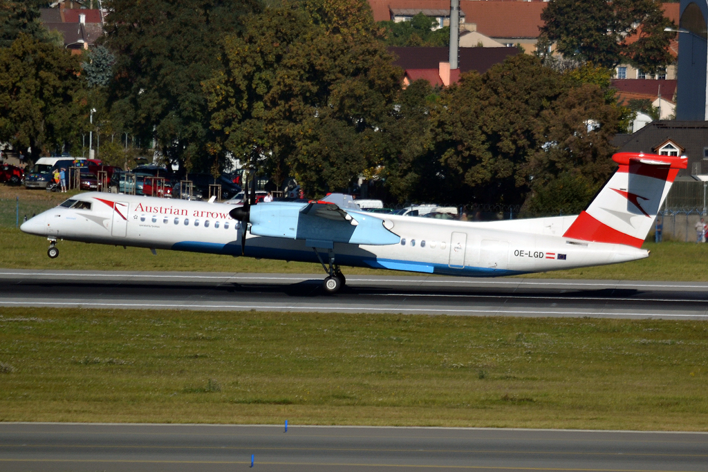 DHC-8-402Q Dash 8 Austrian Arrows OE-LGD Prague_Ruzyne (PRG/LKPR) October_2_2011