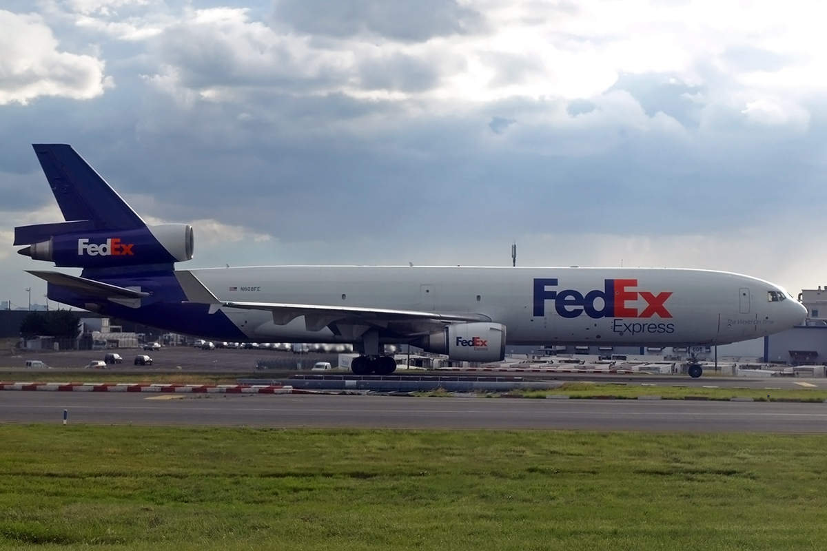MD-11F FedEx Express N608FE Paris_Charles_de_Gaulle June_25_2007