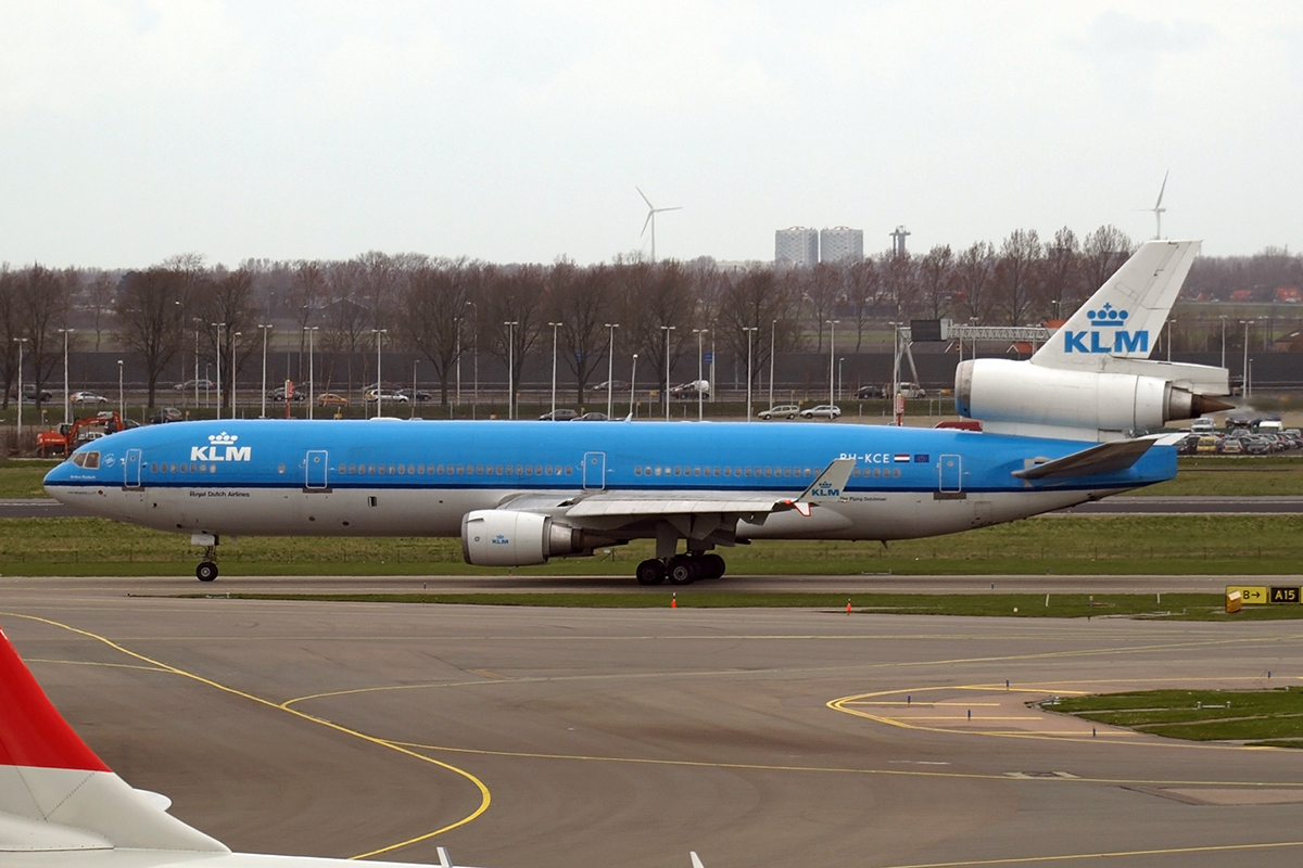 MD-11 KLM - Royal Dutch Airlines PH-KCE Amsterdam_Schiphol March_17_2008