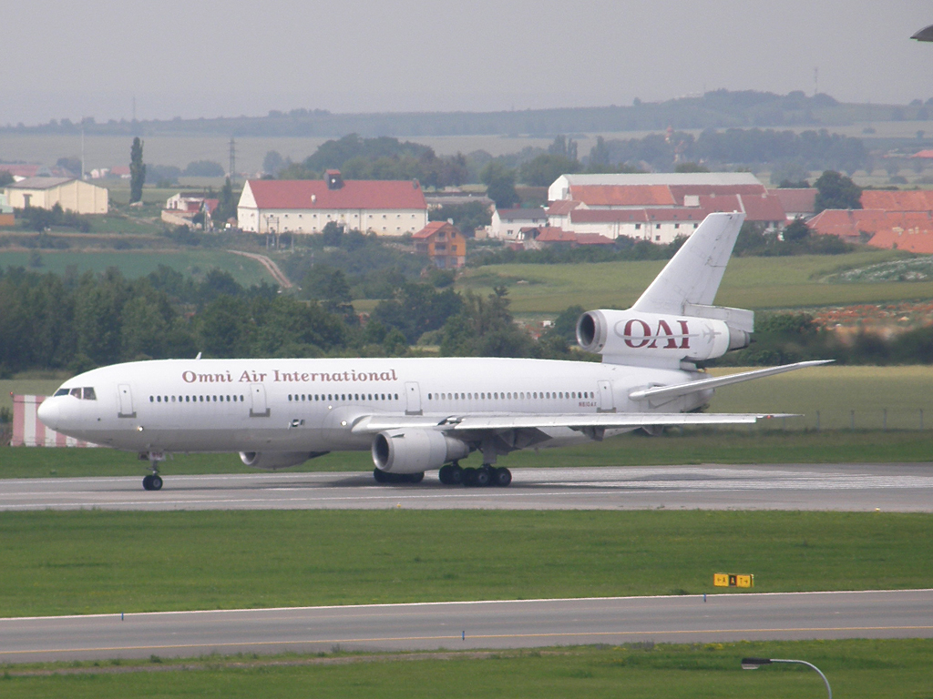 DC-10-30/ER Omni Air International N810AX Prague_Ruzyne July_02_2009