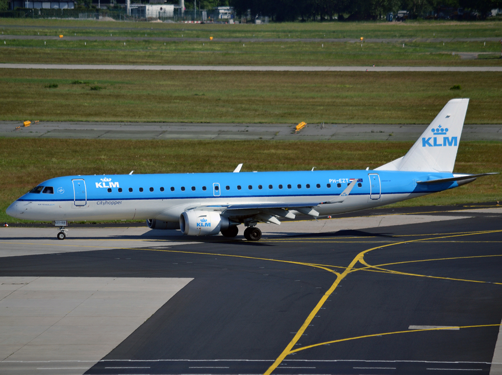 ERJ-190-100STD KLM Cityhopper PH-EZT Frankfurt_Main (FRA/EDDF) May_26_2012
